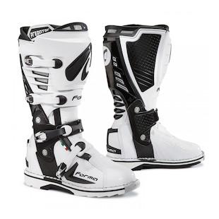 Forma Predator Boots (Color: White / Size: 49)