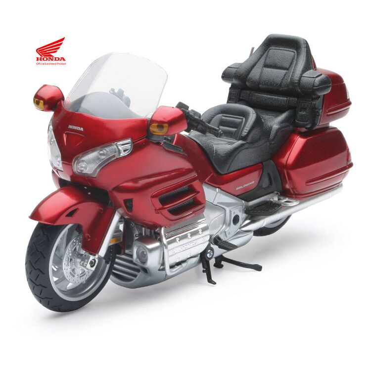 New Ray Toys Honda Gold Wing 2010 1:12 Model